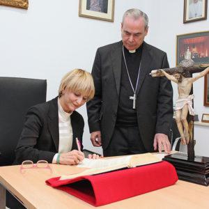 Inmaculada Román, toma posesión como Patrono de la Fundación