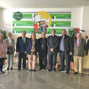 Visita del Obispo y bendición de la Capilla del Colegio Juan XXIII