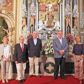 Ofrenda floral a Santa María de la Victoria