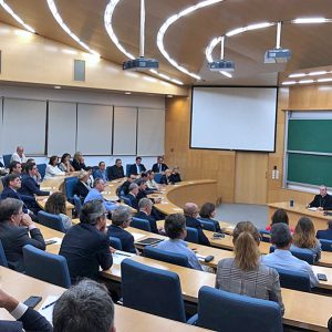 Fundación, Ayuntamiento y empresarios debaten sobre los valores en la empresa
