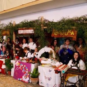 El pueblo de El Valdés se prepara para el Belén Viviente del colegio Nuestra Señora de Lourdes